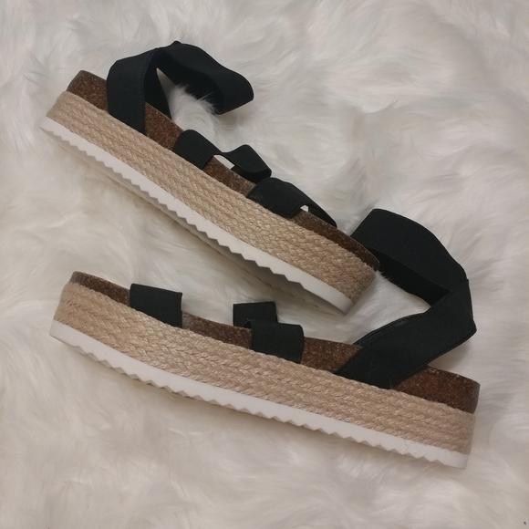 Nwot Carly Espadrille Platform Sandal